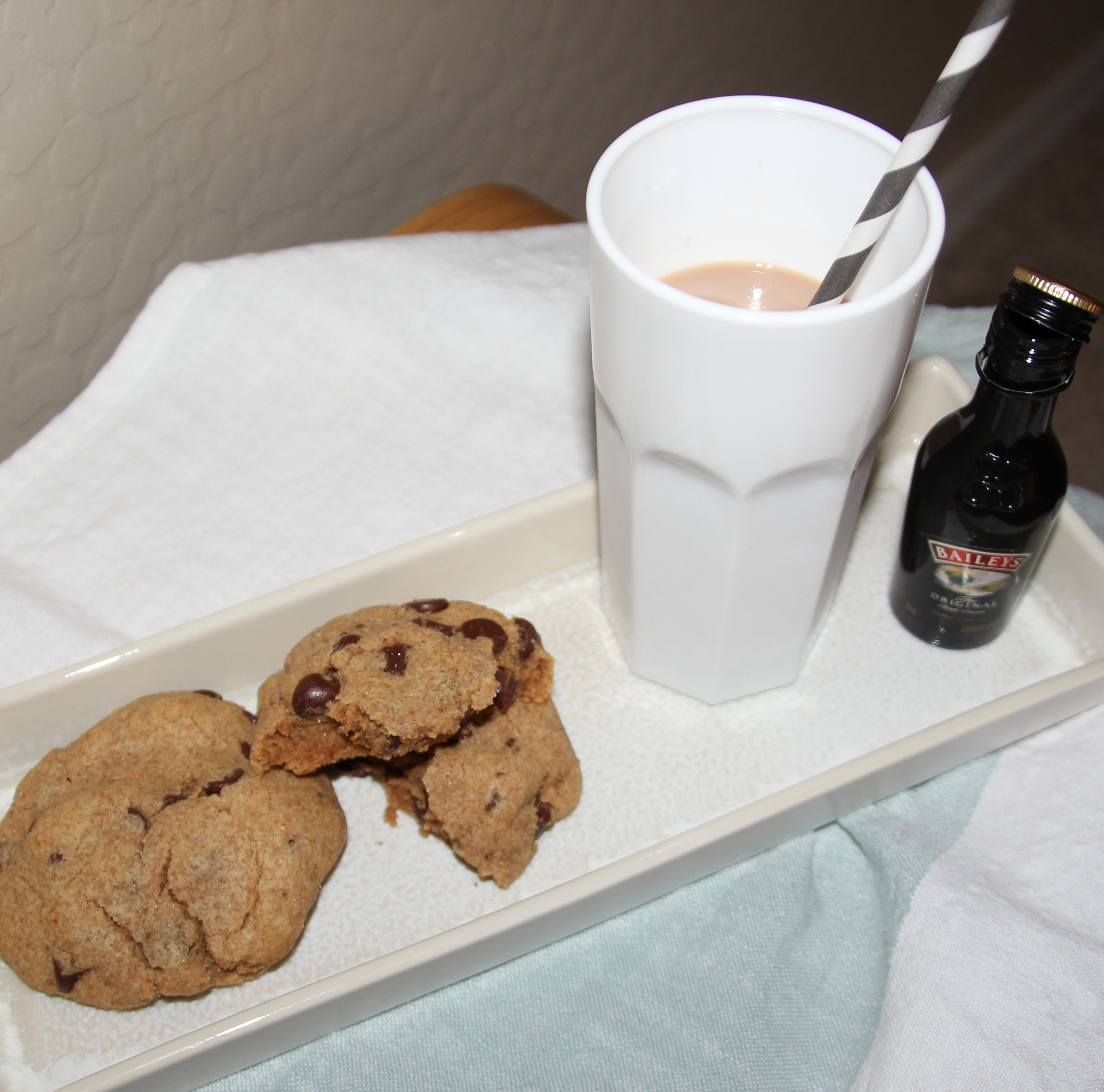 Cookies and Adult Chocolate Milk | Luv in the BubbleLuv in the Bubble